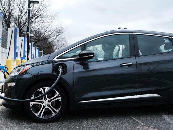 """Dünyanın ən ucuz elektrikli avtomobili - <span class=""""color_red"""">VİDEO</span>"""