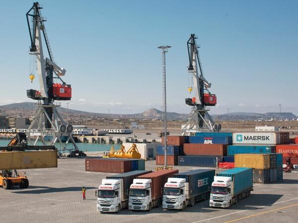 Azərbaycan limanlarında aşırılan yüklərin həcmi 6 milyon tona çatıb