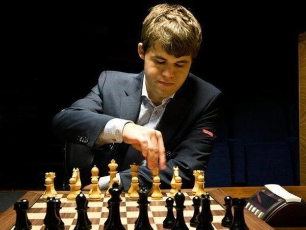 Karlsen Stavanger şahmat turnirində qalib oldu