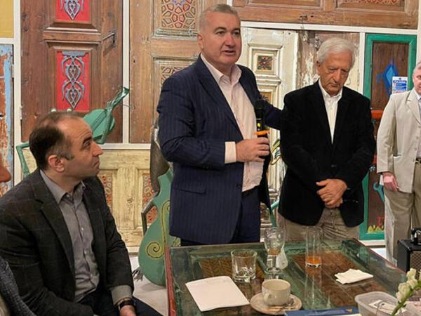 Elin Süleymanov Londonda yaşayan azərbaycanlılarla görüşüb