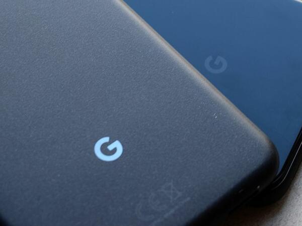 """""""Google"""" şirkətinin ilk qatlanan smartfonu məlum olub"""