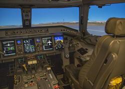 """AZAL-ın Pilotların Hazırlığı Mərkəzində yeni müasir uçuş trenajoru quraşdırılıb - <span class=""""color_red"""">VİDEO - FOTO</span>"""