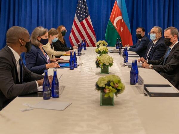 Ceyhun Bayramov ABŞ dövlət katibinin siyasi məsələlər üzrə müavini ilə görüşüb - FOTO