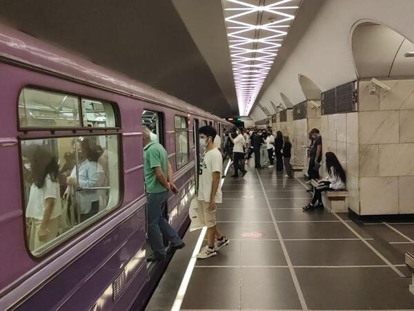 Metroda nəzarət gücləndirildi