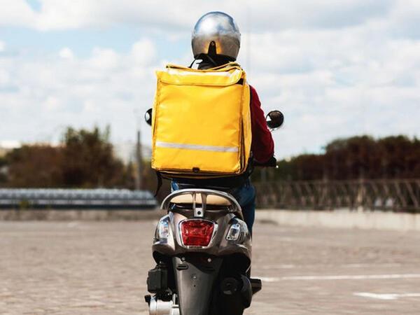 """Moped sürücülərindən sürücülük vəsiqəsi tələb oluna bilər - <span class=""""color_red"""">VİDEO</span>"""