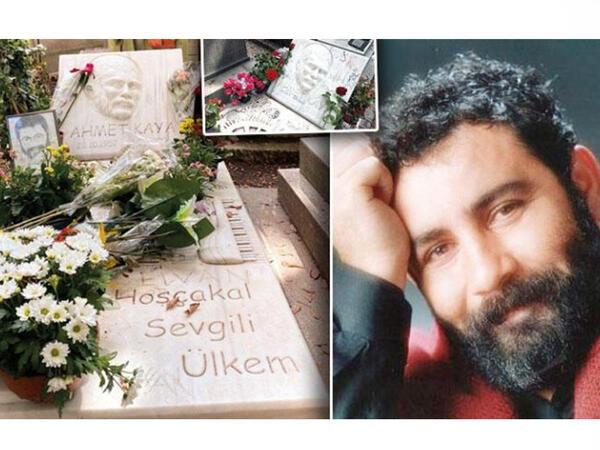 """Ahmet Kayanın """"yazı lövhəsi""""nə çevrilən məzar daşı... - FOTO"""