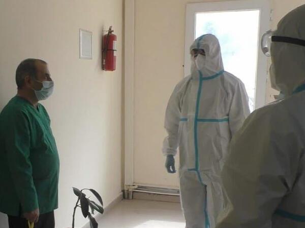 Yaşayış yerini tərk etmiş koronavirus xəstəsi olan tibb işçisi saxlanılıb