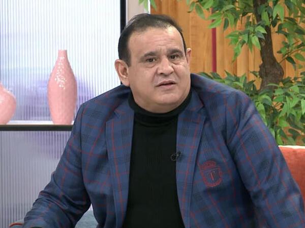 """Tacir Şahmalıoğludan Şuşada """"Qarabağ"""" mahnısı - <span class=""""color_red"""">VİDEO</span>"""