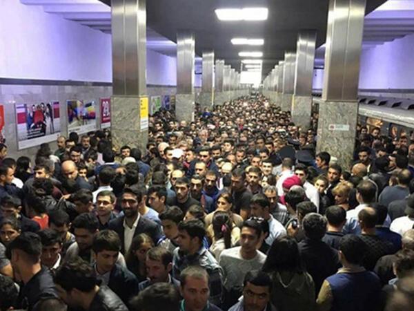 Metroda sıxlığın aradan qaldırılması üçün yeni nəzarət qrupları yaradılıb