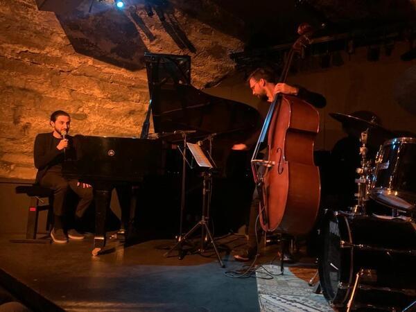 İsfar Sarabskinin rəhbərliyi altında trionun Avropa turnesi çərçivəsində ilk konserti keçirilib - FOTO