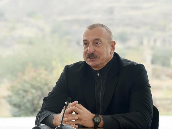 Prezident İlham Əliyev Füzuli Memorial Kompleksinin layihələndirilməsi və tikintisi ilə bağlı Sərəncam imzalayıb