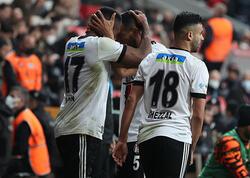 İstanbul derbisində bir penalti, üç qol