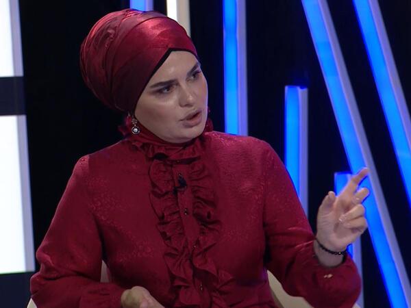 """""""Evimə gəlib-gedən, bacı dediyim insan mənə xəyanət etdi"""" - <span class=""""color_red"""">Fərqanə Qasımova - VİDEO</span>"""